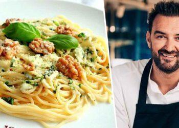Tous en cuisine : Cyril Lignac dévoile sa recette des spaghettis au fromage et au poivre, à tomber par terre !